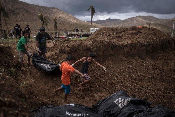 Tacloban mass grave NYTimes