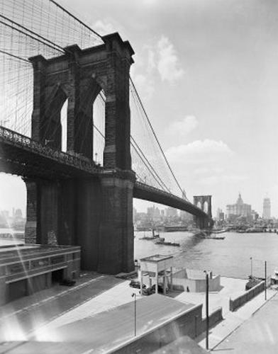 view of Brooklyn Bridge looking toward Manhattan
