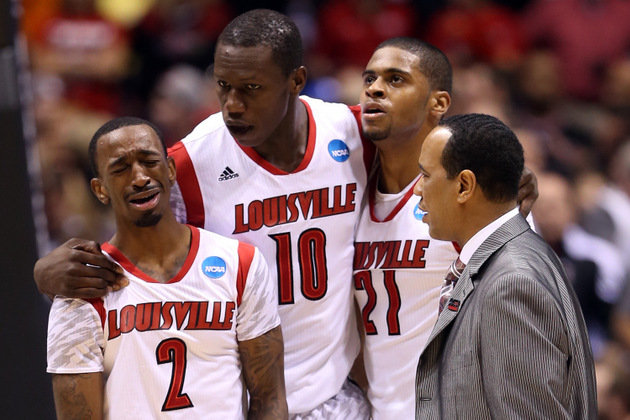 image of Kevin Ware's teammates' reaction to his gruesome leg injury during 2013 March Madness.